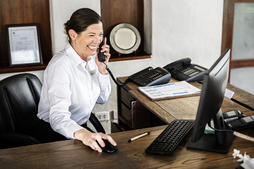 Receptionniste-en-hotellerie