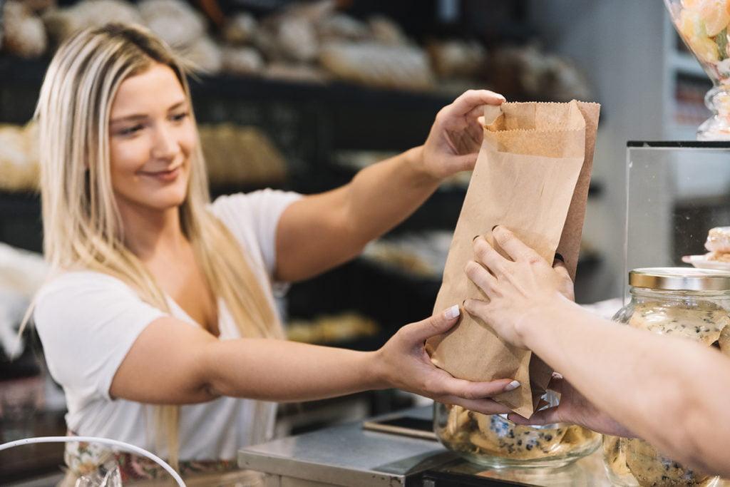 conseiller-vendeur-en-magasin